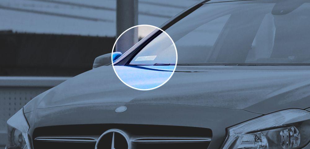 Znacznik RFID na szybie samochodu